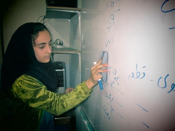 """گزارش تصویری اجرای طرح """" مدام """" در مدرسه ی دخترانه ی باغ مینوی کوهدشت"""