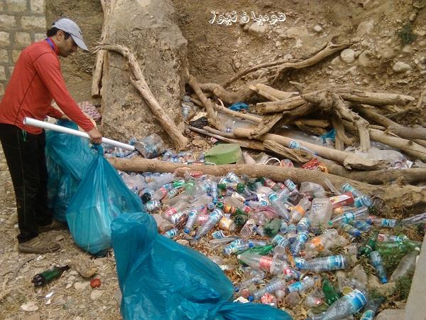 گزارش تصویری پاکسازی دره ی شیرز توسط انجمن آوای اردیبهشت