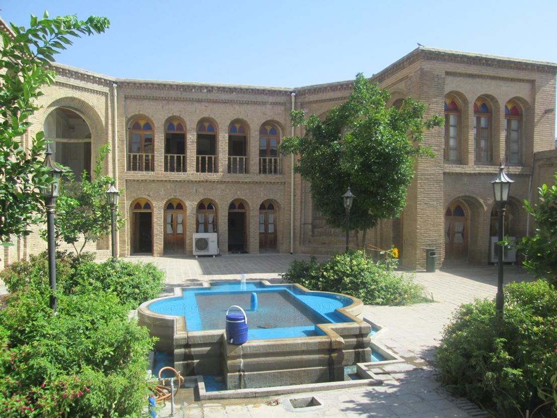 اثر تاریخی منزل آخوند ابو آماده بازدید گردشگران/ معماری این ساختمان همچنان سرزنده و چشمنواز است