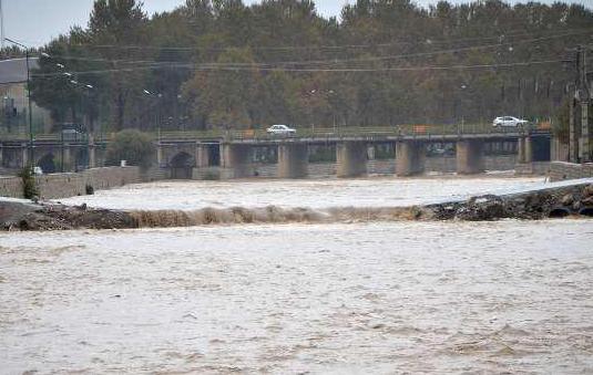 پلهای موقت شهر خرمآباد/ انسداد یا تخریب؟ راهحل شهردار واقعبینانهتر است