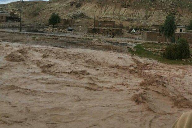 خطر در کمین اهالی حاشیه «کشکان»/ خانههایی که خواب سیلاب میبینند